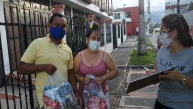 Photo of Entrega de ayudas y suspensión del cobro del espacio público, dos iniciativas para apoyar a vendedores informales