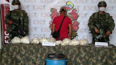 Photo of Ejército captura dos hombres con más de 19 kilogramos de pasta de base de coca