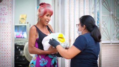 Photo of Entregan más de 300 ayudas alimentarias a población con orientación sexual diversa o vulnerable