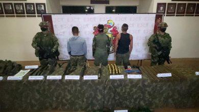 Photo of Tres integrantes del GAO-r Estructura Primera se entregaron de manera voluntaria al Ejército en Guaviare